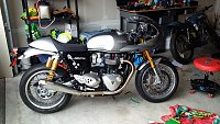 Post up pictures of your motorcycle!-thruxtonr.jpg